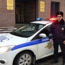 В Казани полицейский помог пожилой нарушительнице перейти дорогу