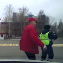 Полицейские Казани помогли мужчине, который боялся не доехать до больницы после ранения