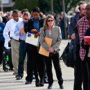 Миру предрекли исторический уровень безработицы