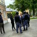 Директору школы в Казани, который вызвал Росгвардию для разгона школьников, сделано предупреждение