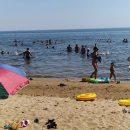 Ходим не купаться, а стирать: жители Татарстана объяснили ажиотаж на пляжах в Лаишево