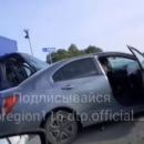 Под Казанью столкнулись легковушка и грузовик