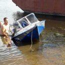 В Татарстане госинспектор спас рыбака, лодка которого перевернулась посреди реки