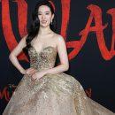 Фильму «Мулан» объявили бойкот из-за поддержавшей полицию актрисы