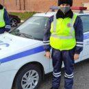 В Татарстане полицейские помогли семье с младенцем, которая замерзала в машине