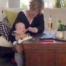 Женщина уронила младенца ради спасения шампанского и стала звездой сети