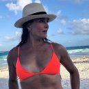 55-летняя Брук Шилдс объяснила фото в бикини верой в свою красоту