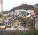 Суд разрешил строить отель на Андреевском спуске