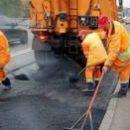 В Днепровском районе ремонтируют дороги по украинской научной разработке