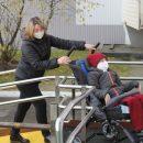 Коммунальщики в Казани игнорировали просьбы матери ребенка-инвалида установить пандус в подъезде
