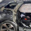 От удара столб упал: в Казани на перекрестке столкнулись