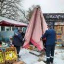 Возле станций метро в Киеве убрали стихийную торговлю