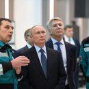 Путин посетил нефтехимический комплекс «Запсибнефтехим» в Тобольске