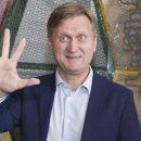 Звезда «Уральских пельменей» пошел работать на парковку