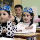 Школьники в Татарстане могут начать изучать предметы сразу на трех языках