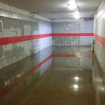 «Купите сапоги и ходите»: в Казани жители пожаловались на затопленный подземный переход