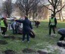 Киевляне просят восстановить благоустройство после демонтажа шин во дворах