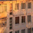 Украинец упал с восьмого этажа на прохожую, сломал ей шею и умер