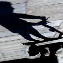 Российский охранник выстрелил в катавшегося на самокате 10-летнего ребенка