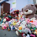 Дядя убитой в Тюмени девочки умер у стихийного мемориала