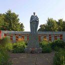 Вандал повредил надгробные плиты на братском захоронении в Ленинградской области