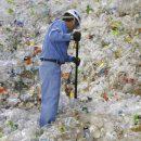 Пластик сделали безвредным для планеты