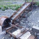 Россиянин построил ГЭС из металлолома и стал раздавать электричество в горах